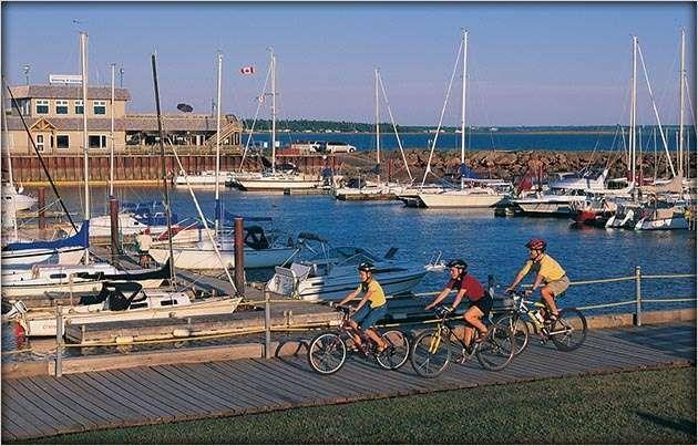 #Summer #cycling on #PEI. Via http://www.tourismpei.com/pei-cycling-itineraries#