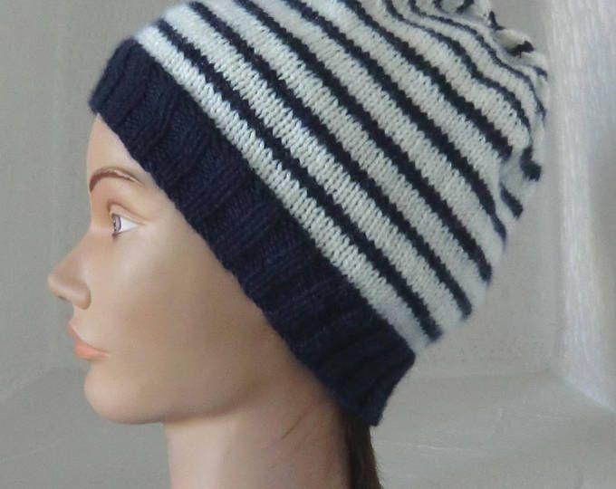 Bonnet Style Marin - En laine - Femme ou Homme - Coloris bleu marine et blanc à rayures - Tricoté à la main