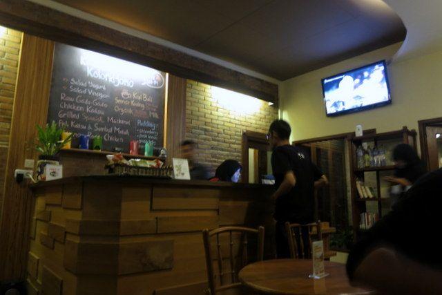 Kedai mungil dengan varian makanan sehat beragam. Berbahan baku organik, bersertifikat. (FOTO: Sica Harum)