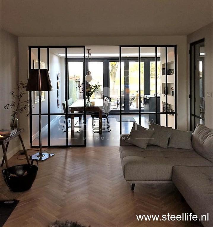 Stalen dubbele schuifdeur #Roukens #SteelLife #stalendeuren #interior #steeldoors #design