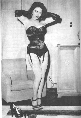 Bettie Page Pin Up Girl Wallpaper Tana Louise Black Boots Highway Broads Pinterest