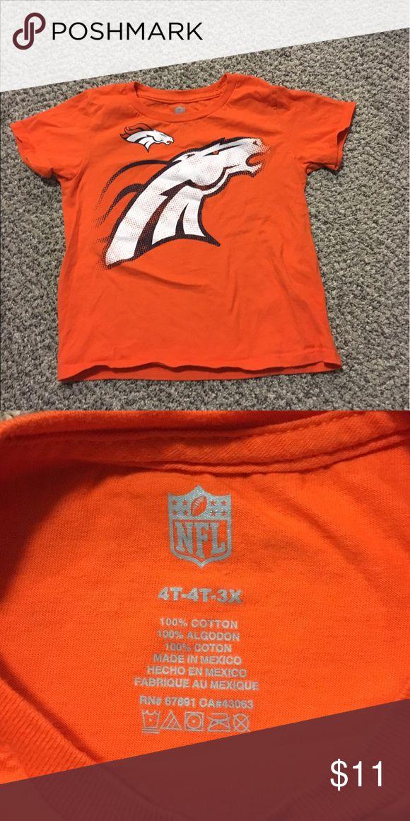 NFL bronco shirt Unisex NFL bronco shirt in excellent condition NFL Shirts & Tops