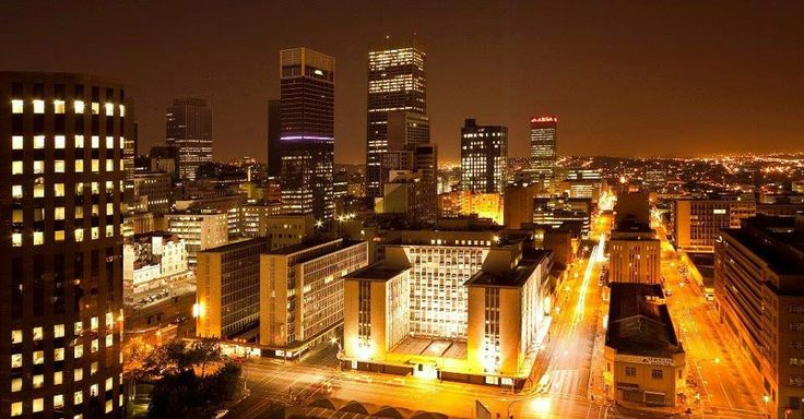 Experience the magnificent night time views of Johannesburg's CBD from one of the many high up bars, clubs or restaurants in the city!