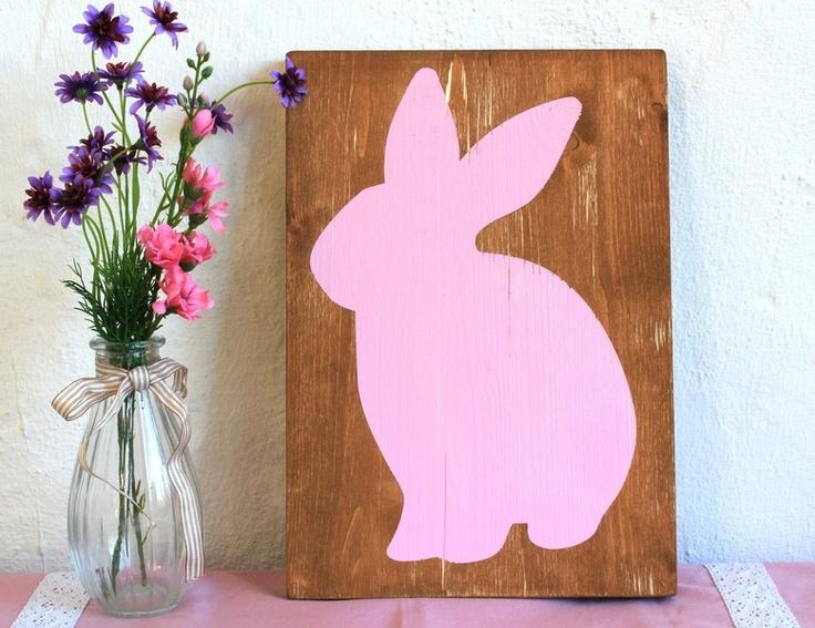 Holz-Schild mit rosa Hase im Shabby-Landhaus Stil...der Frühling und Ostern kann kommen <3          +Frühling ist doch die tollste Jahreszeit. Krokusse und Narzissen strecken ihre Köpfchen ...