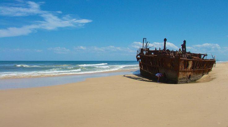QUEENSLAND: visit Fraser Island