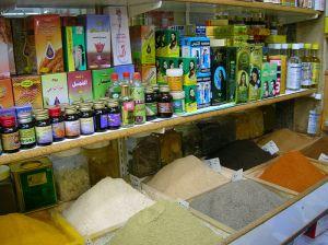 tra i prodotti tipici nei bazar  spiccano le spezie molto usate nella cucina iraniana