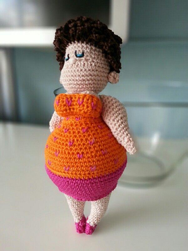 """Mijn eerste """"dikke dame"""". Gehaakt door Stephanie L. naar een ontwerp van Anja Toonen uit het boekje """"Dikke Dames haken"""""""