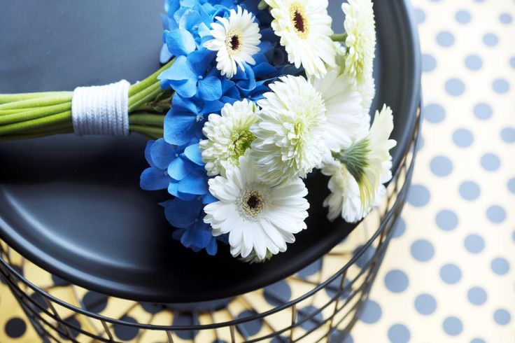 Agora Group | Flowers, plants and accessories for professionals.