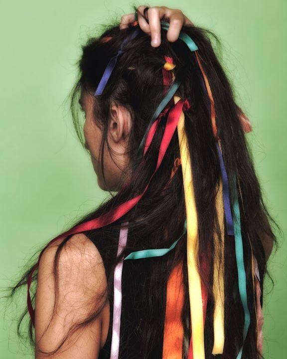 #colori #capellineri#nastri #colors #portrait #ritratto https://t.co/EVcAizr70d via Faceb https://t.co/dAgg0LzI8J https://t.co/EvcfFxfk1C