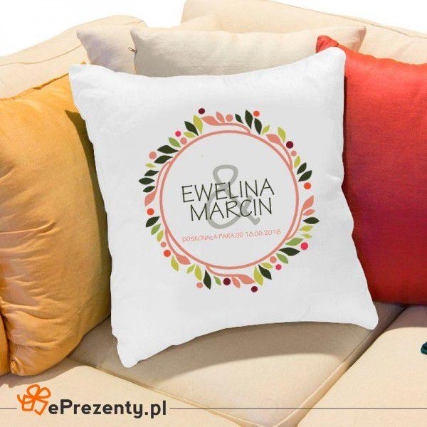 Poduszka dla pary - doskonała forma drobnego upominku zamiast kwiatów na ślub.  #slub #wesele #prezent #prezenty #eprezenty  http://bit.ly/28Nj2mR