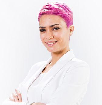 Elodie – Pink hair  #pink #hair #strange #newlook