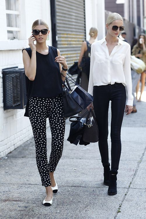 : Models Off Duty, Polka Dots, Black And White, Fashion Week, Street Style, White Shirts, Black White, White Outfits, Black Pants