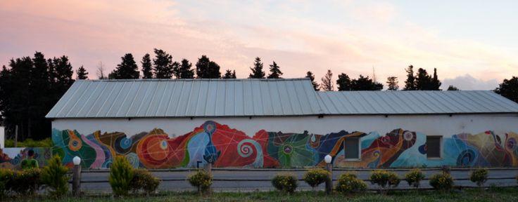 Bodrum Turgutreis Çiftlik evimizin yol cephesinden  renkler
