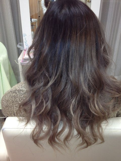 Brown ombre. I can't help it. I like the grey blonde tips ...