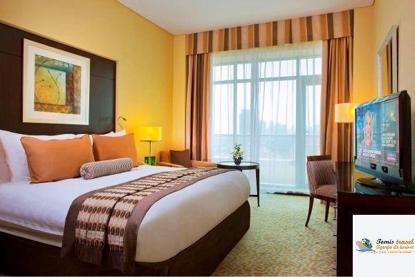 Time Oak Hotel & Suites Mic dejun, Dubai, UAE