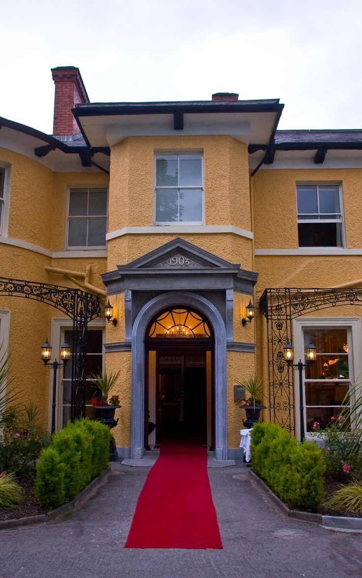 Fitzgerald's Vienna Woods Hotel has self catering apartments