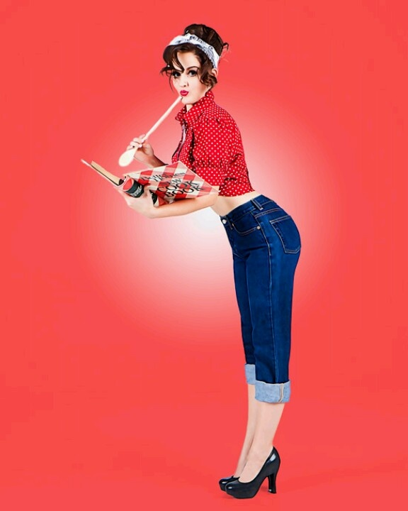 I love this pin-up outfit and pose