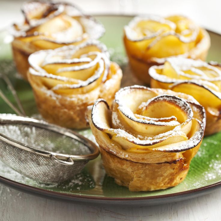 Apple Roses - A dessert that's both romantic and delectable. Courtesy of #cookingwithmanuela & #Huletts