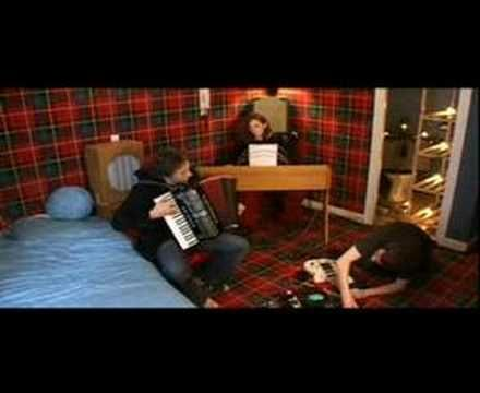 Yann Tiersen - L'Horloge (La Traversée) - YouTube