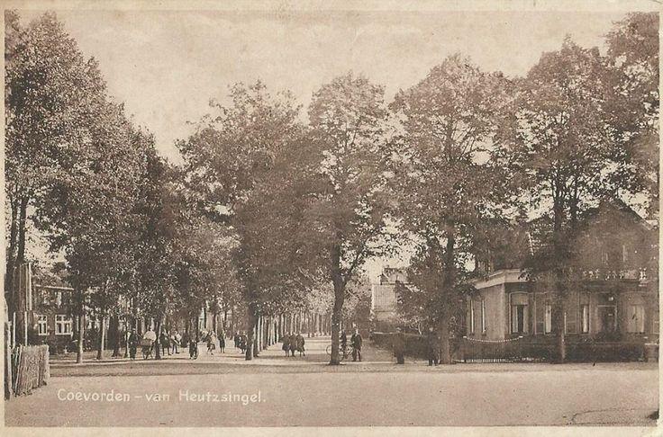 Van Heutszsingel in 1922 ,rechts het oude huis van dokter Brunner ,nu zit restaurant AZIE op deze plek