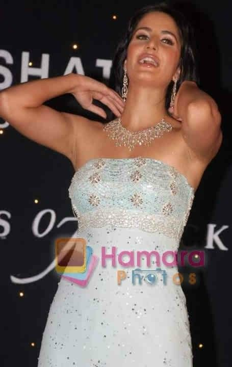 Katrina kaif exposed her armpit | Armpits in 2019 | Prom ...