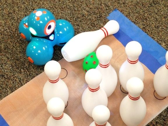 Robots Bowl! Robotics with Dash and Dot for STEM Ed in First grade - 5th grade (via the digital scoop)
