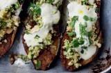 RECEPT. Chermoula aubergine met bulgur & yoghurt