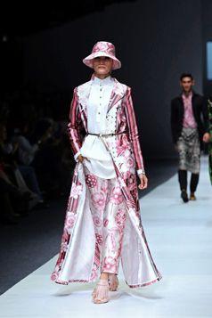 Pink Etnic Series - S/S Collection Jakarta Fashion Week 2016 | Itang Yunasz | Digital Print www.itangsz.com