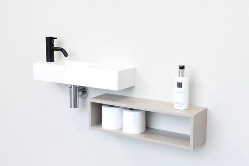 Leuk voor toiletrollen. Van hout + matchende plank