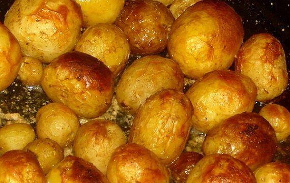 5 лучших рецептов запекания картофеля в духовке. Попробуйте каждый из них!