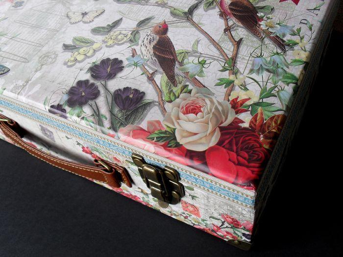 photo n°2 : Boite valise de rangement Grand Format collection Punch Studio modèle Fleur de Triomphe
