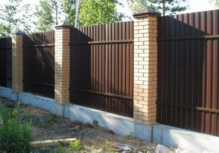 strip Foundation for fence of corrugated Board