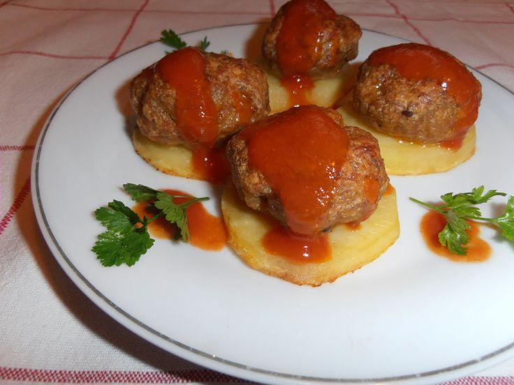 Gerdi süti: Sütőben, krumplin sült fasírt paradicsomszósszal