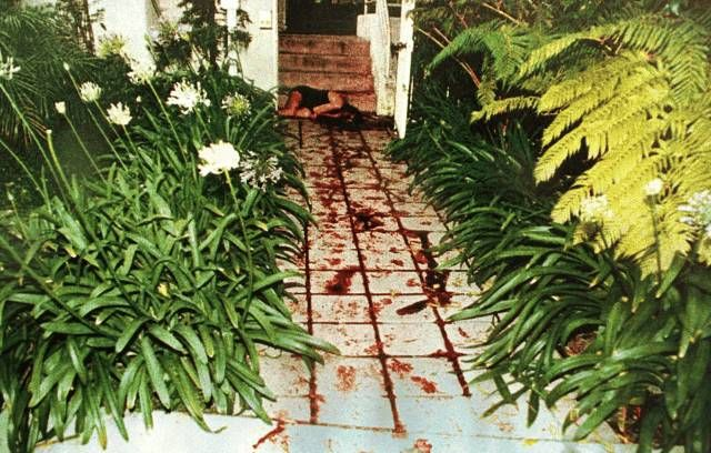 Bloody trail leading to the body of Nicole Simpson. ( OJ Simpson Trial)