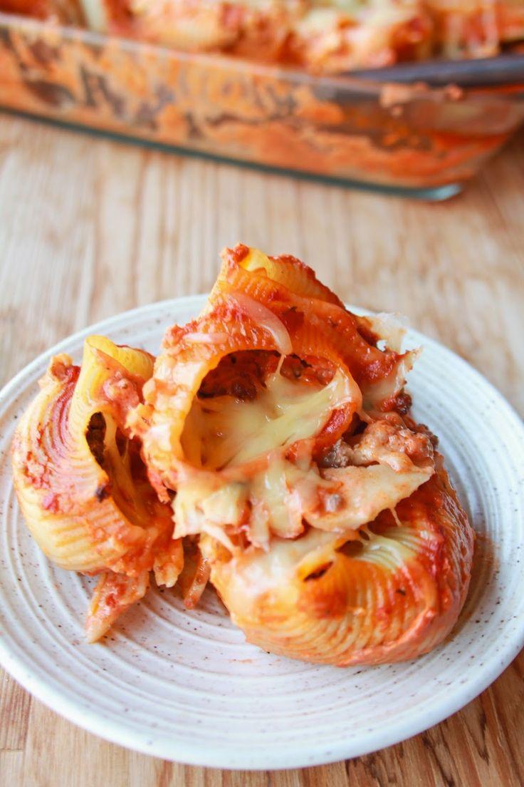 Κογχύλια στο φούρνο γεμιστά με κιμά και τυρί - Stuffed pasta shells