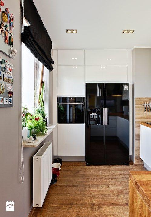 Jesteśmy dystrybutorem najwyższej klasy mebli kuchennych - firmy Atlas Kuchnie. Zajmujemy się kompleksowym wyposażaniem kuchni w meble, AGD i akcesoria.  Projektujemy, doradzamy, s ...