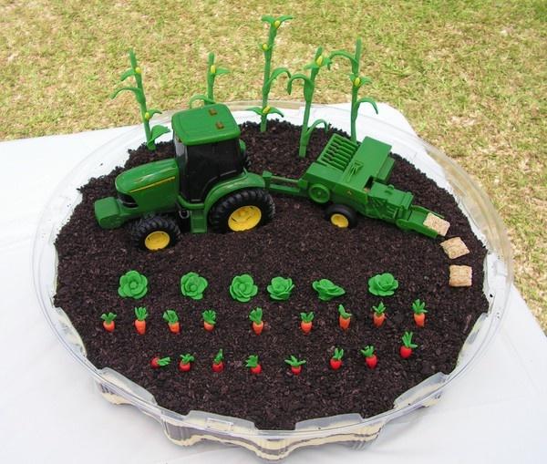 John Deere dirt cake. Look at the little hay bales!