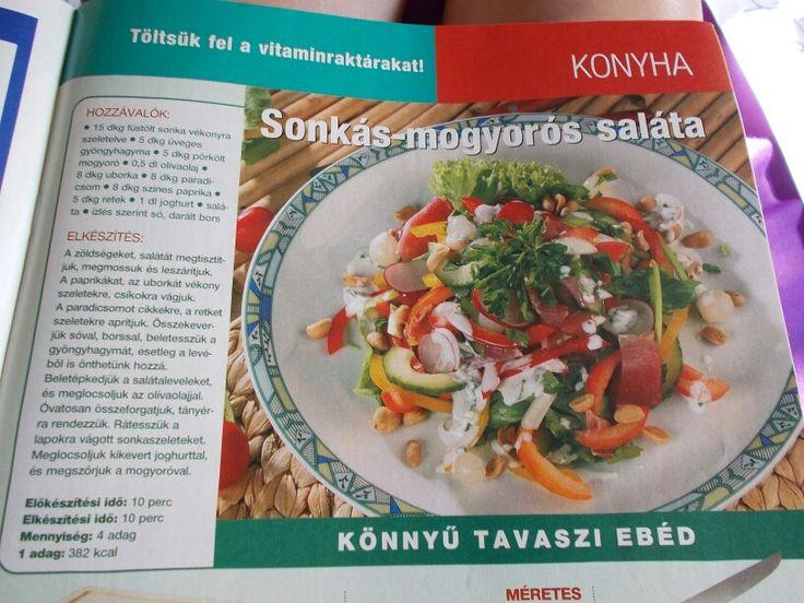 Sonkás-mogyorós saláta