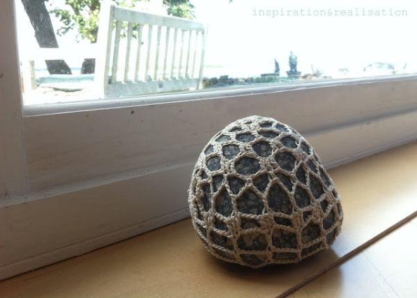 crocheted stone by ginaska