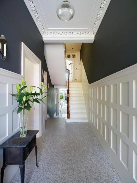 Deco Couloir Très Long Peinture Bleu Canard Murs à Moitié Blancs