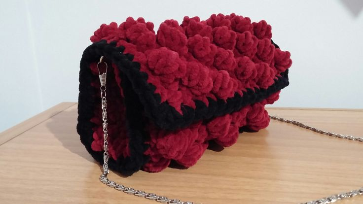 Bobble stitch bag