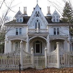 a description of a beautiful classic victorian architecture Weathered gray shingles are one of the most recognizable elements of a classic cape cod, but newer homes are built of brick, stucco and stone  victorian architecture.