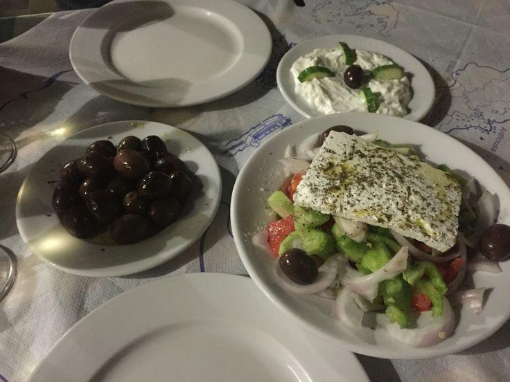 Χοριατικη, horiatiki-salads