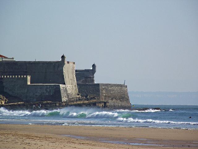 Praia de Carcavelos by FotoAmador17