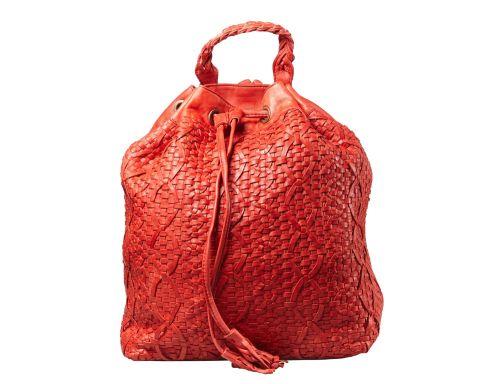 Zaino con chiusura a coulisse. Pelle intrecciata a mano.  #resinastyle #bag #bags #daybag #fashion #borse #model #luxurybag #fashionable #handbag #fashionaddict #leather #handmade #fairtrade http://www.resinastyle.com/adrenaline/