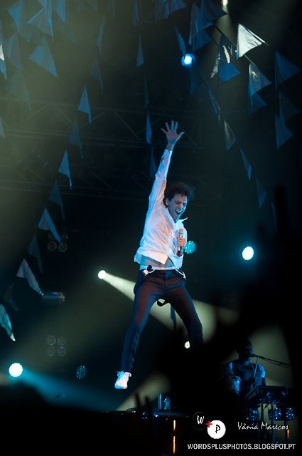 Mika looking like he's falling @ Expofacic, Portugal 4 August 2012