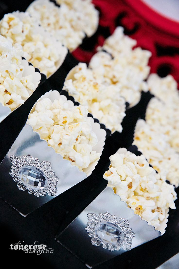 Fifty shades of Grey // popcorn boxes // glam