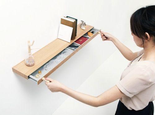 ziemlich cool: Dieses Regal hat ein verstecktes Fach, welches nur mit Magneten geöffnet werden kann // a shelf with a secret compartment that opens with magnets