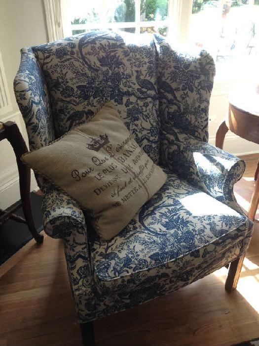 toile queen anne chair