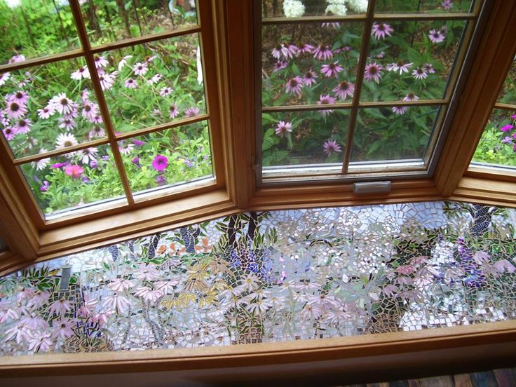 Mosaic Bay Window Sill by Susan Bax‎ (Facebook)